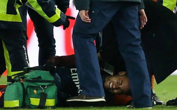 Neymar sale en camilla ante Marsella a diez días del duelo contra Real Madrid