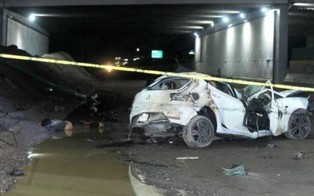 Fatal volcadura en Tlalnepantla deja un muerto