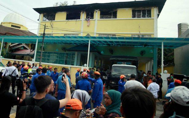 Reportan 24 muertos y 4 heridos en incendio de escuela en Malasia