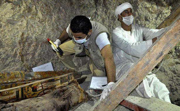 En Egipto descubren momias de la era faraónica