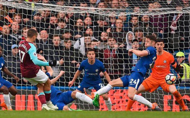 """Video: """"Chicharito"""" marca gol del empate ante Chelsea"""