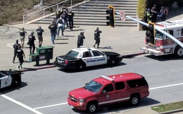 Google provee a trabajadores línea de apoyo por tiroteo en oficinas de YouTube
