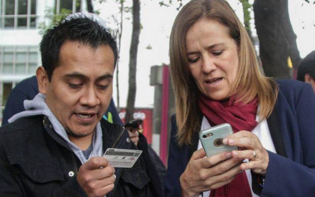En busca de un milagro, Margarita Zavala va a la Basílica a recolectar firmas
