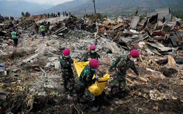 Suman mil 424 los muertos por sismo y tsunami en Indonesia