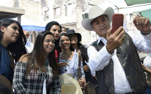 """""""El Bronco"""" encabeza cabalgata en Durango"""