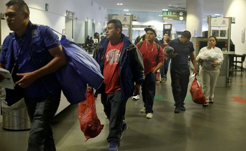 México no recibirá a migrantes extranjeros deportados por EU: Osorio Chong