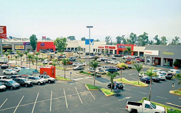 Diputado se pronuncia porque centros comerciales dejen de cobrar uso de estacionamiento