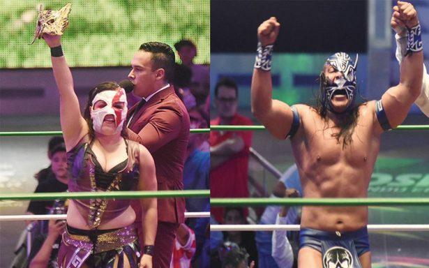 Niebla Roja y Princesa Sugehit, sin máscara en el  84 aniversario del CMLL