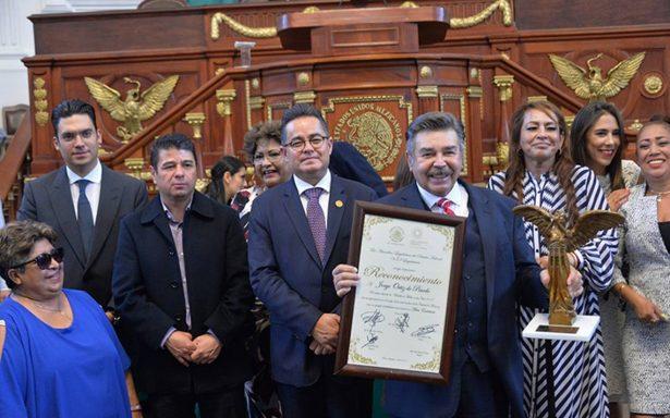 Ortiz de Pinedo, Eduardo España y Martín Urieta, reciben Medalla al Mérito de las Artes 2018.