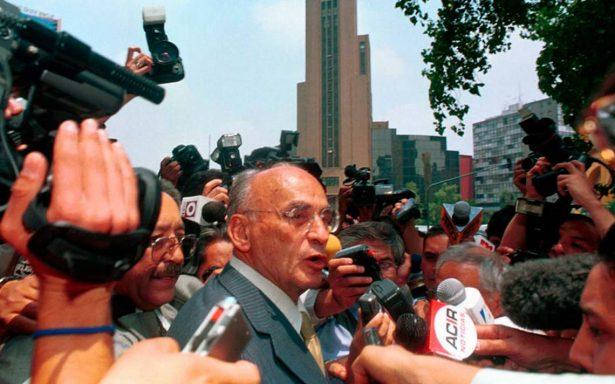 Expresidente Luis Echeverría sigue internado en hospital y lo reportan estable