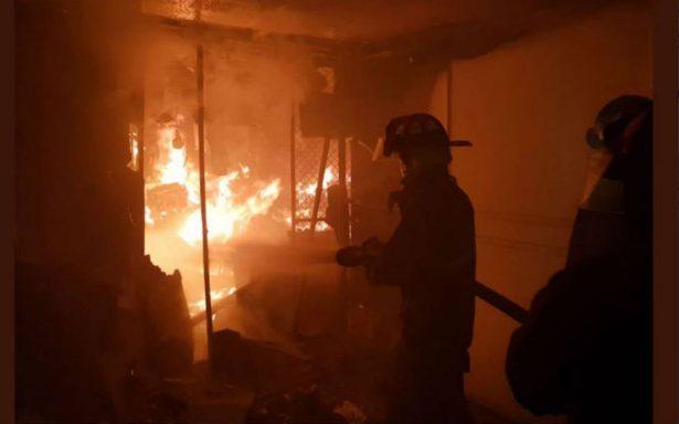Se incendia fábrica de plástico en Naucalpan