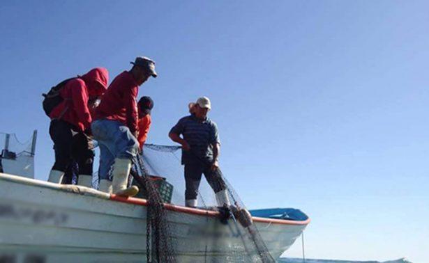 Hallan pescadores libios a 28 inmigrantes muertos en embarcación