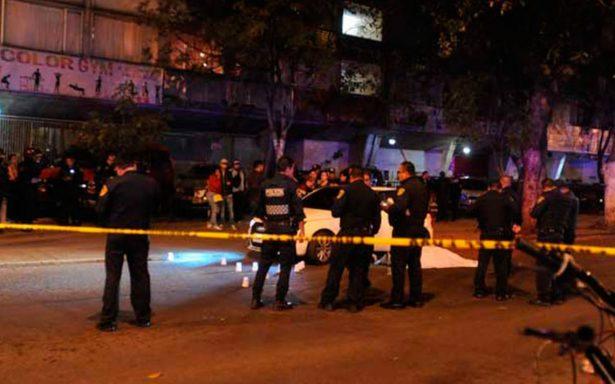 Asesinan a balazos a padre e hijo de 10 años