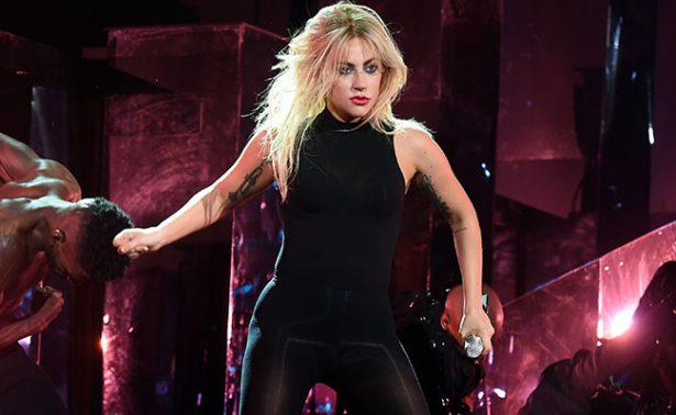 Pirotecnia y mucho baile: así debutó Lady Gaga en Coachella