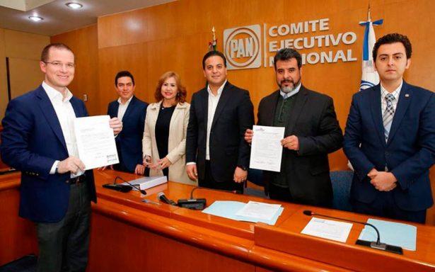 Ricardo Anaya se registra como precandidato presidencial