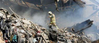 Al menos 20 bomberos muertos por un derrumbe en Teherán
