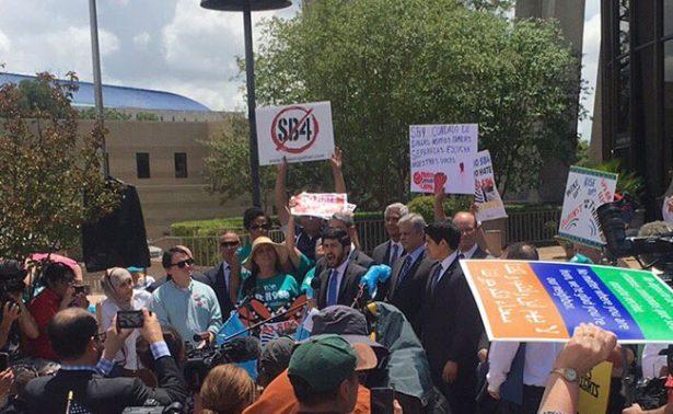 Miles se manifiestan en EU contra ley anti inmigrante SB4 de Texas