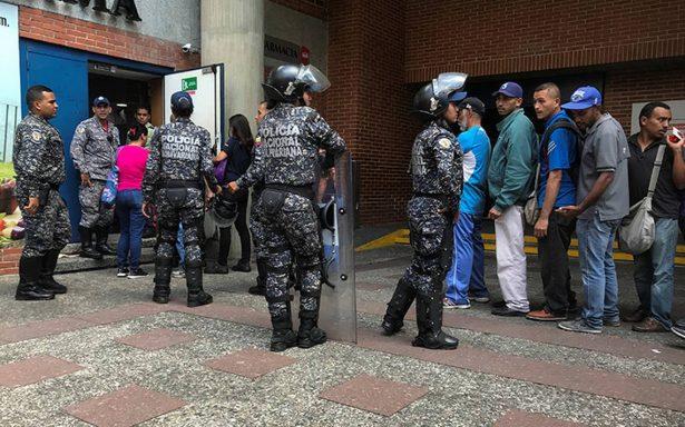 Otro más, joven muere baleado en saqueo a camión en Venezuela