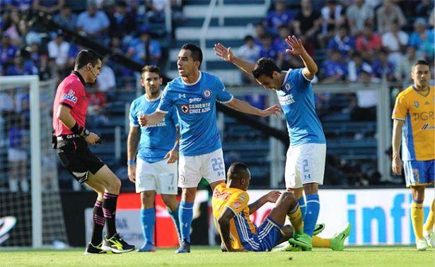 Cruz Azul empata ante Tigres y se aleja de la Liguilla