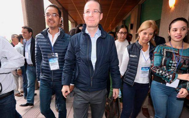 Ricardo Anaya reaparece en la reunión del consejo nacional del PAN