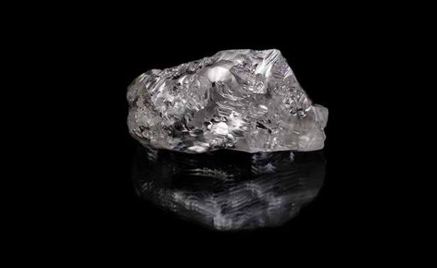 Hallan diamante excepcional de más de 700 quilates
