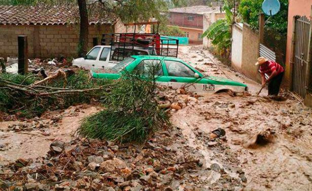 Teotitlán y Nochixtlán afectadas por mal tiempo