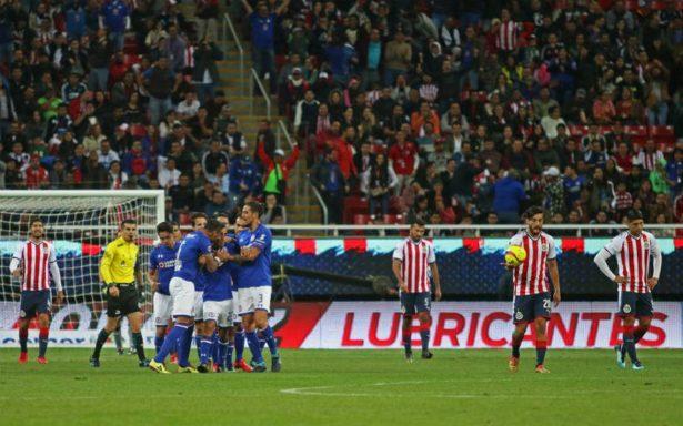 ¡Ilusiona! Cruz Azul se luce en Guadalajara