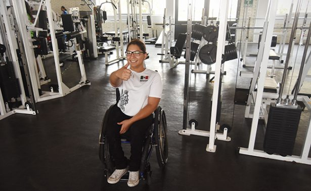 Lucero Anahí Vázquez  se recupera de una cirugía de la columna vertebral