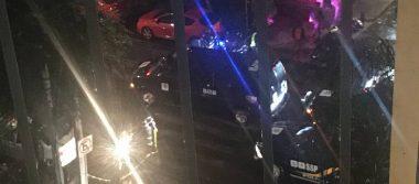 Policías capitalinos detienen a cuatro colombianos en Hooters Universidad