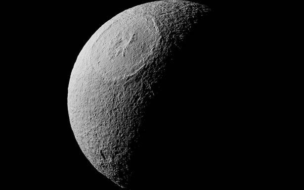 NASA descubre en Saturno ¿la Estrella de la Muerte?