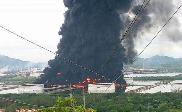 Al menos 9 heridos deja incendio en refinería de Salina Cruz, Oaxaca