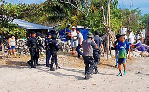 Desalojan a familias de predio irregular en Cancún