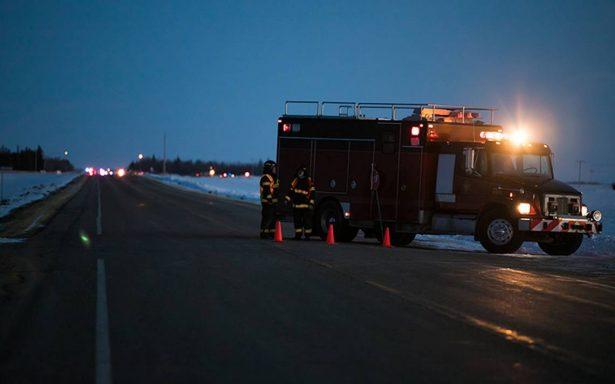 Al menos 14 muertos en accidente de autobús de equipo de hockey en Canadá