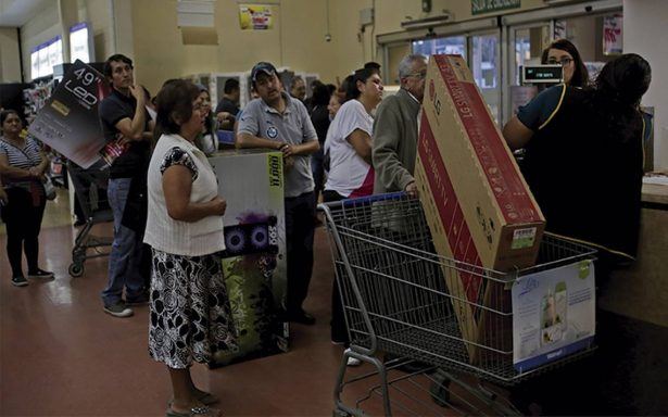 """Estiman derrama de 9 mil millones de pesos por """"Buen Fin"""" en Nuevo León"""