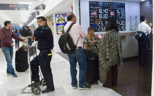 Dólar se vende en 19.35 pesos en promedio en casas de cambio del AICM