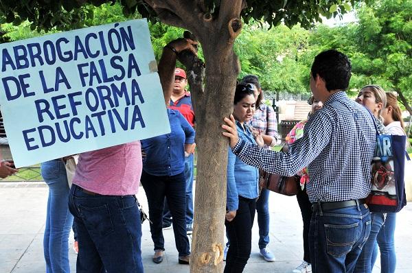 Realiza la CNTE protesta pacífica en Hermosillo