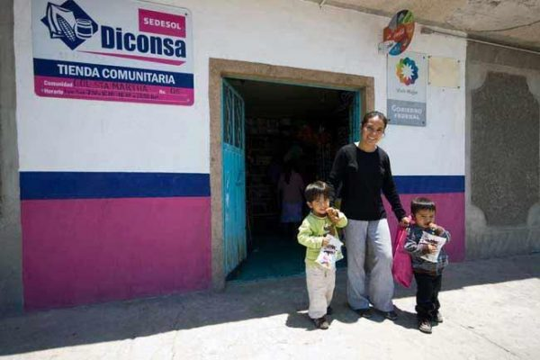 Supervisa titular de Diconsa acciones en Sonora
