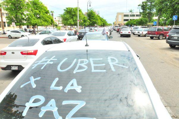 Esperan choferes de Uber se resuelva el conflicto