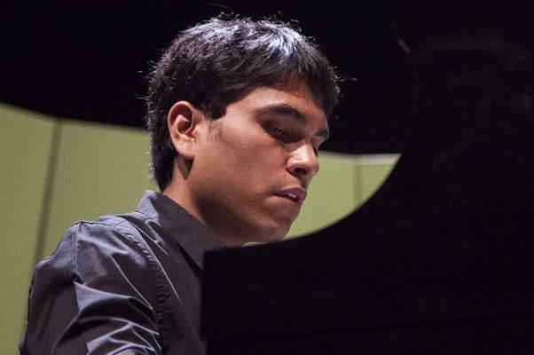 Engalana Luis Carlos Juárez concierto de la OFS