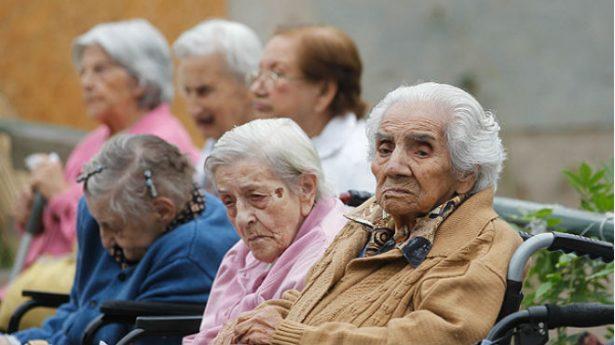 La dieta y sedentarismo afectan salud de ancianos