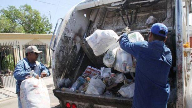 Hay 25 camiones de recolección de basura fuera de servicio