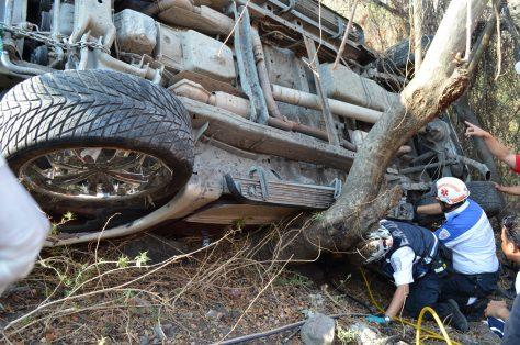 Accidente carretero deja un muerto y dos lesionados