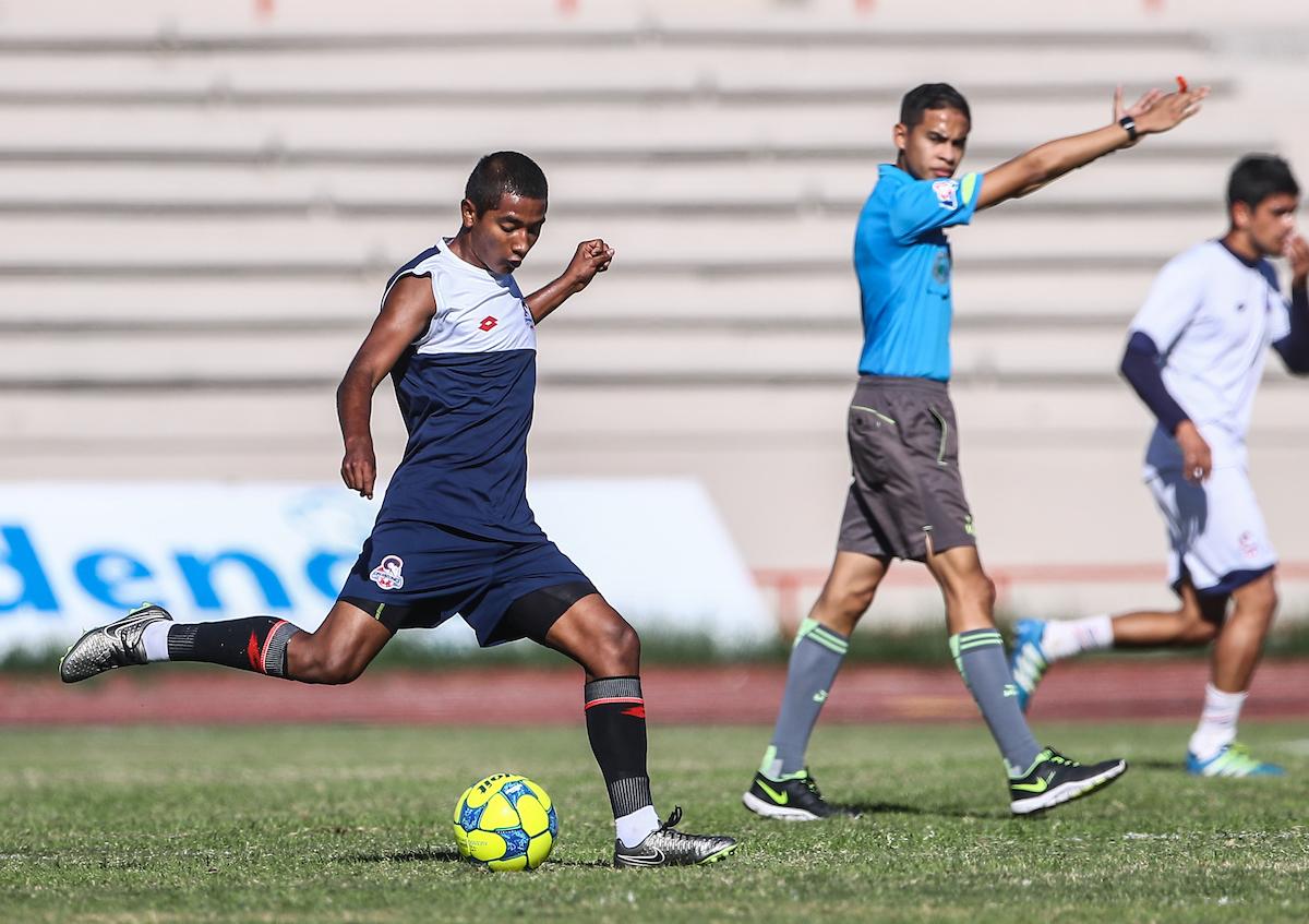 Entrenamiento  y partido entre Cimarrones FC de la  Liga ascensoMX vs Segunda divisiÛn de Cimarrones  ©Foto: LuisGutierrrez/NortePhoto.com