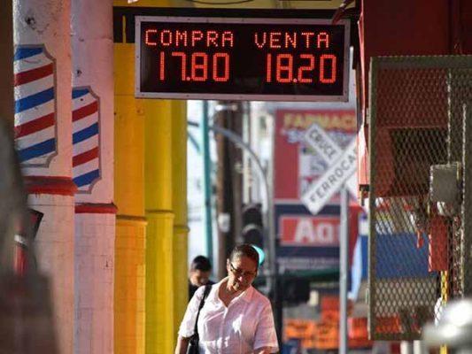 ¡Sigue bajando el dólar! se mantiene a 18.20
