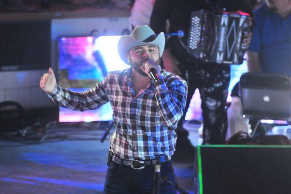 """Gerardo Ortiz promociona el sencillo """"Para qué lastimarme"""""""