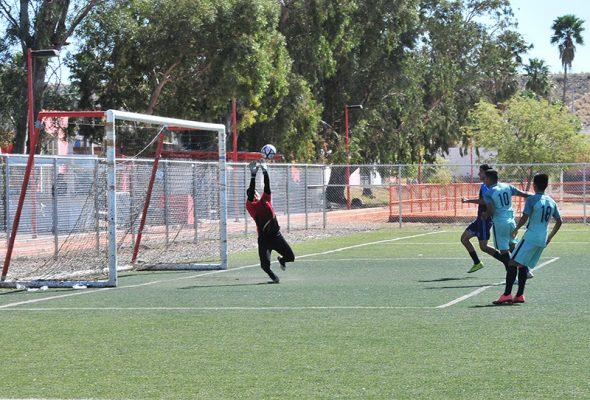 Dominante paso de Ford C en la Liga Premier de Hermosillo
