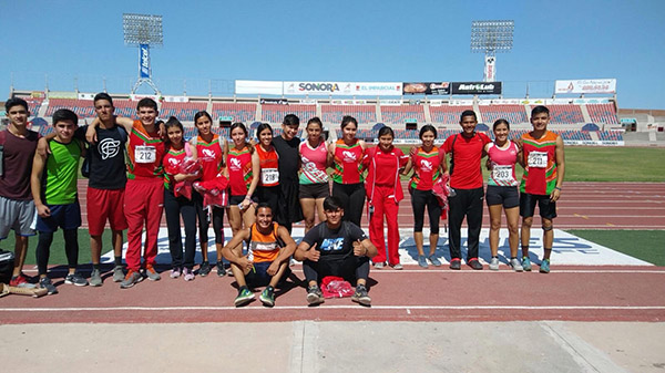 Domina Cecyte en atletismo
