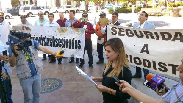 Recibe Gobierno de Sonora a reporteros y periodistas