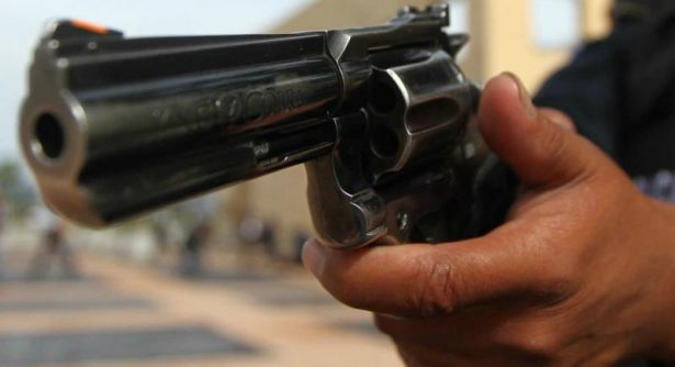A punta de pistola lo despojaron de 60 mil pesos