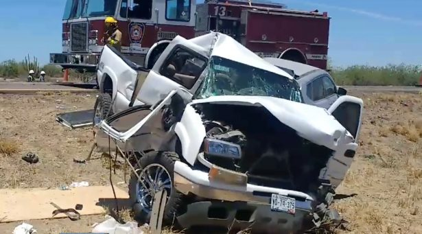 Choque entre camión y dos vehículos deja un muerto